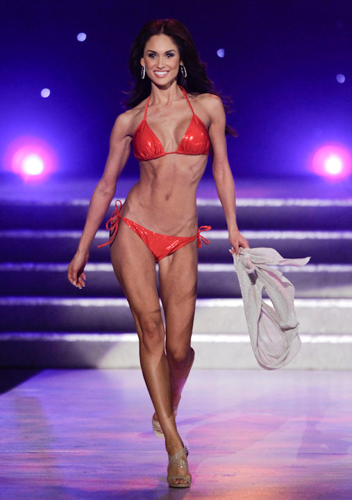 Lissette Garcia, Miss Florida, competes in the swim suit competition during the 2011 Miss USA pageant, Sunday, June 19, 2011, in Las Vegas. (AP Photo/Julie Jacobson)