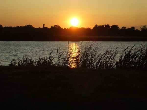 Submitted by:  Chris Caption: Sunset at Lake Erie...Catawba    CLICK HERE to submit your Shoretographs!