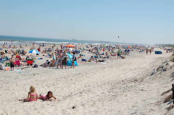 "<div class=""meta ""><span class=""caption-text "">Submitted by:  Paul Caption: Sea Isle City - Memorial Day Weekend - 59th & the Beach looking South   CLICK HERE to submit your Shoretographs!</span></div>"