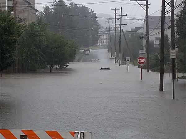 "David Flores sent us this picture, saying, ""@6abc Downingtown, Pa Green Street and Jefferson Ave"""