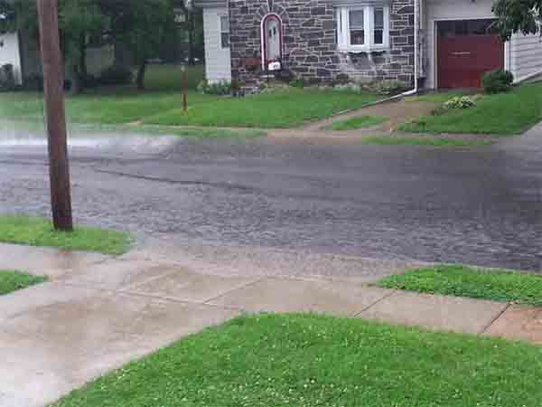 "Erica Gilmore tweeted us this picture, saying, "" @6abc @6abcadamjoseph flooding in Mt. Ephraim, NJ"""
