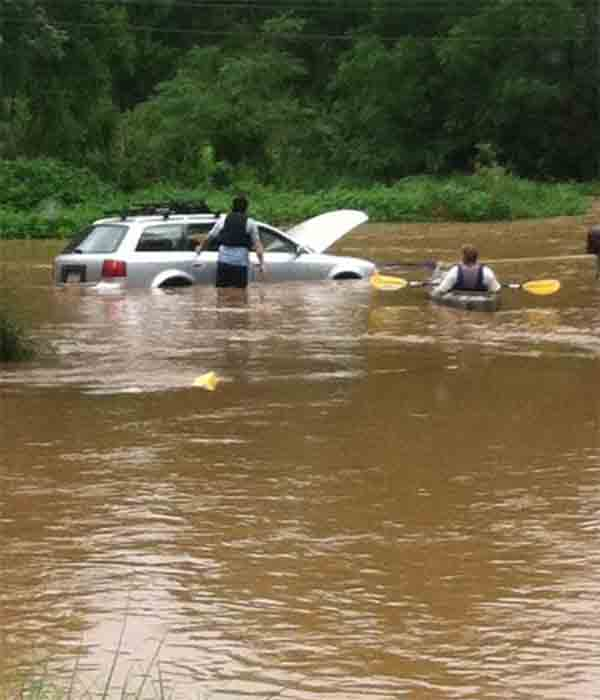 "<div class=""meta ""><span class=""caption-text "">A 6abc viewer sent in this picture of two people, one in a kayak, responding to a stranded motorist.</span></div>"