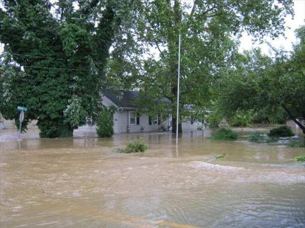 "<div class=""meta ""><span class=""caption-text "">Historic Christiana, DE  Viewer photo of damage from Hurricane Irene submitted through sendit.6abc.com</span></div>"