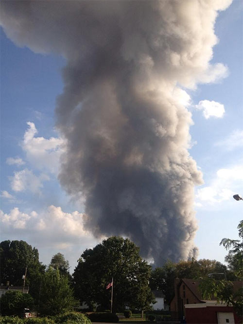Nina Ayala tweeted us @6abc this view of the Delanco fire from Beverly, New Jersey.