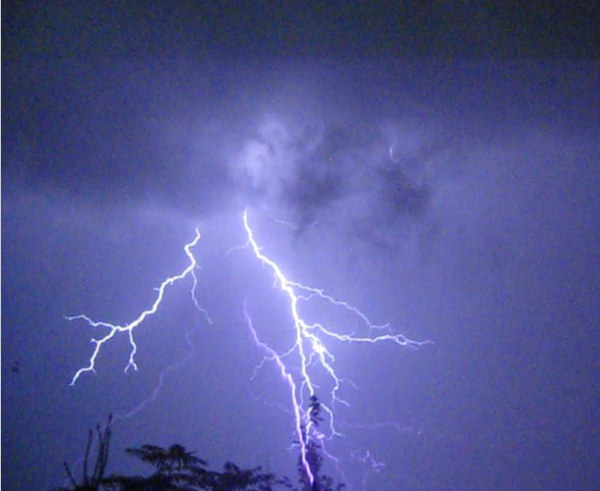 Photo of thunderstorm in Kenhorst, Pa. on Wednesday, September 22, 2010 taken by WeatherMan Dan.