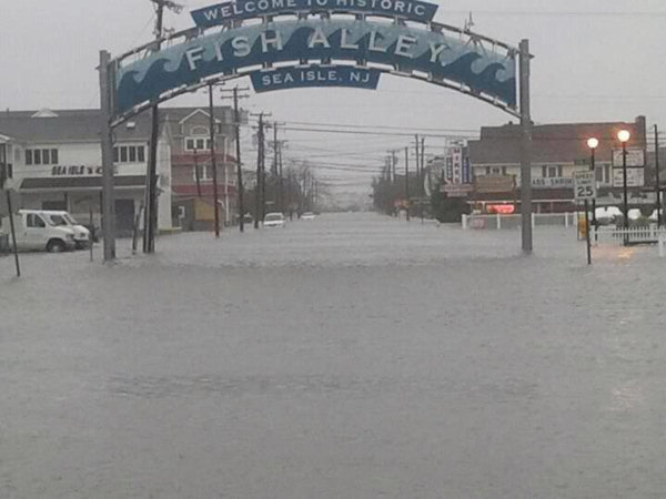 Twitter user @tyler_kohlhaas sent us this image from Sea Isle, New Jersey.