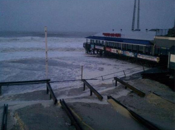 "Twitter user @MatthewTaylorr sent us this image with the caption: ""@6abc seaside heights boardwalk"""
