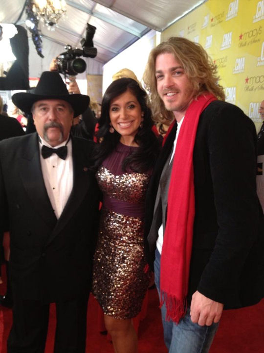 Alicia Vitarelli Bucky Covington and Chief Ronald Siarnicki on the red carpet of the Country Music Awards in Nashville on November 1, 2012.