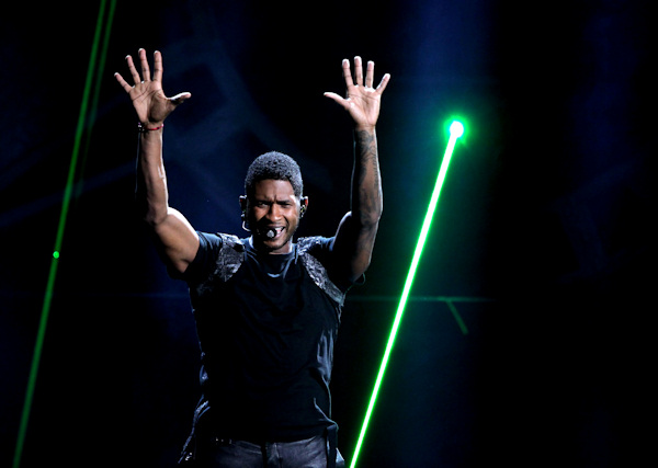 "<div class=""meta ""><span class=""caption-text "">Usher performs at the 40th Annual American Music Awards on Sunday, Nov. 18, 2012, in Los Angeles.(Photo by Matt Sayles/Invision/AP) </span></div>"