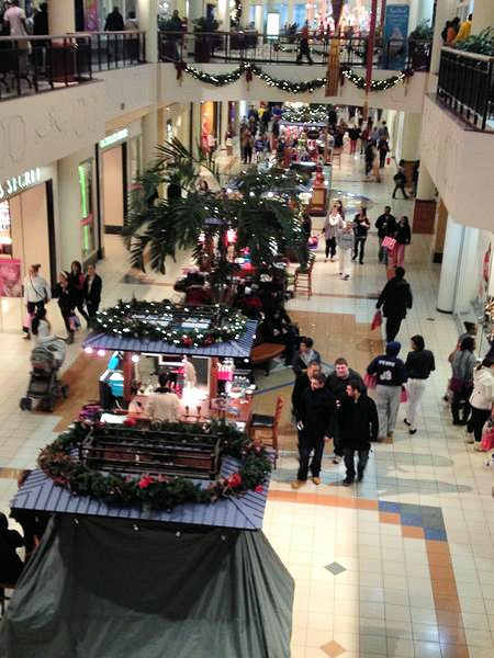 Black Friday 2012 - From @joshyrez: Willow Grove Mall at 1:17am.