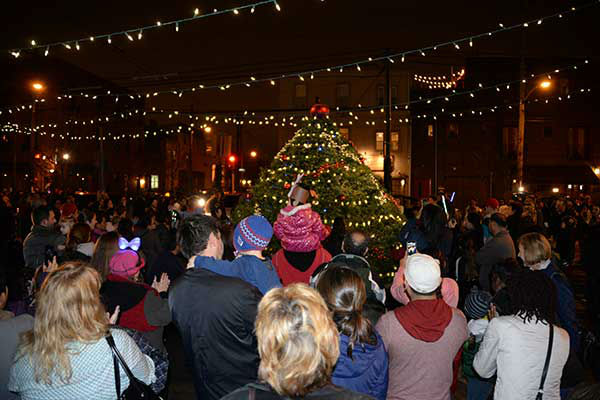 Pictured: East Passyunk Avenue Business Improvement District &#40;EPABID&#41; and Passyunk Avenue Revitalization Corporation &#40;PARC&#41; kicked off the holidays with the annual Tree Lighting Party at the Singing Fountain &#40;Tasker and EPA&#41; on Thursday, December 5, 2013. <span class=meta>(Photo&#47;HughE Dillon)</span>