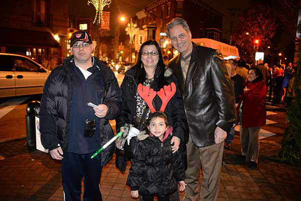 "<div class=""meta image-caption""><div class=""origin-logo origin-image ""><span></span></div><span class=""caption-text"">Pictured: East Passyunk Avenue Business Improvement District (EPABID) and Passyunk Avenue Revitalization Corporation (PARC) kicked off the holidays with the annual Tree Lighting Party at the Singing Fountain (Tasker and EPA) on Thursday, December 5, 2013. (Photo/HughE Dillon)</span></div>"