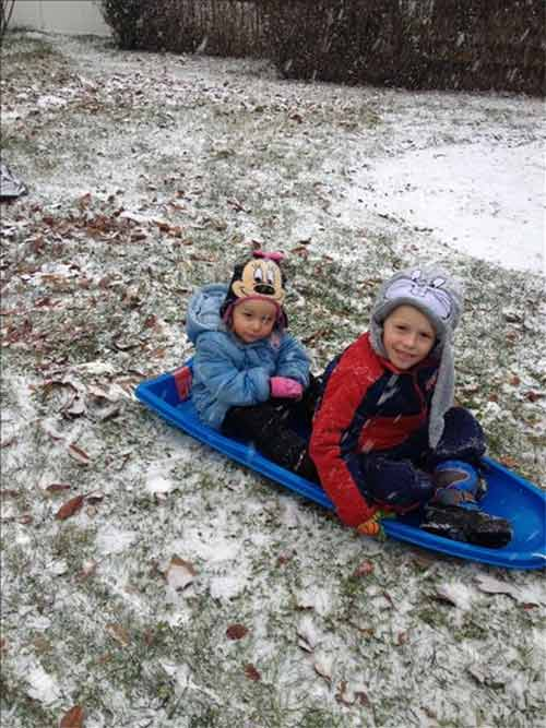 "<div class=""meta ""><span class=""caption-text "">Aldi and Ajla were enjoying the snowy weather in Northeast Philadelphia</span></div>"
