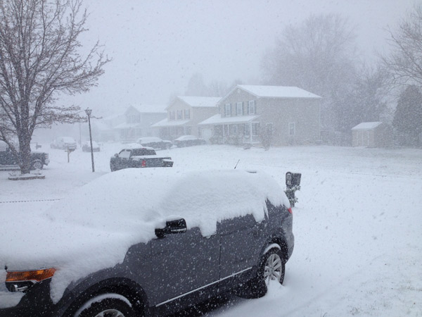 "<div class=""meta ""><span class=""caption-text "">Viewer Photo: Heavy Snow in Newark, DE</span></div>"