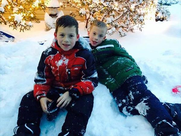 "<div class=""meta ""><span class=""caption-text "">8 year old twins Andrew and Will Hatley play in Pennsauken N.J.</span></div>"