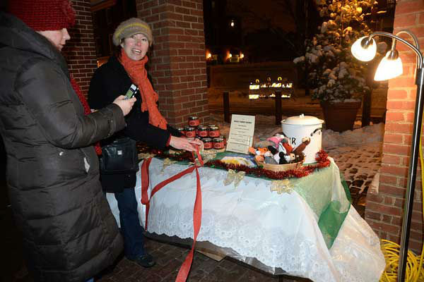 "<div class=""meta image-caption""><div class=""origin-logo origin-image ""><span></span></div><span class=""caption-text"">The Headhouse District on Philadelphia's South Street held a Winter Wonderland and Tree Lighting on Sunday, December 8th.  The event included a window decorating competition and the arrival of Santa Claus! (HughE Dillon)</span></div>"