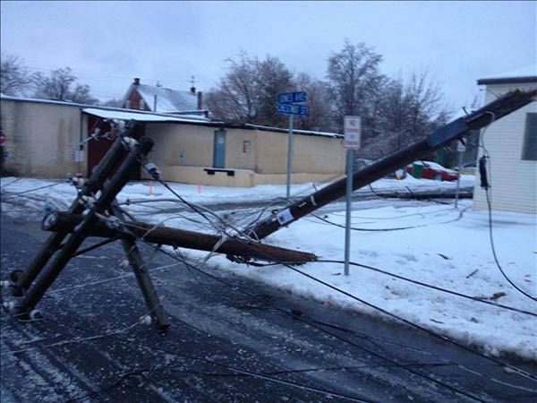 "<div class=""meta ""><span class=""caption-text "">Power lines down in Lansdale, Pa.</span></div>"