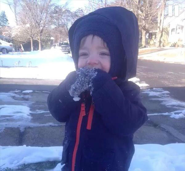 "<div class=""meta ""><span class=""caption-text "">Jackson's first time in snow</span></div>"