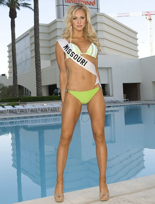 In this image released by Miss Universe LP, LLLP, Candice Crawford, Miss Missouri USA 2008, poses for a photo at in this April 4, 2008 file photo taken in Las Vegas. Injured Dallas Cowboys quarterback Tony Romo is engaged to be married to former Miss Missouri Candice Crawford. Crawford currently works as a sports reporter for KDAF-TV in Dallas. The station reports that the 30-year-old player proposed to Crawford while the couple were celebrating her 24th birthday at a Dallas restaurant on Thursday Dec. 16, 2010.  <span class=meta>(AP Photo&#47;Miss Universe L.P., LLLP, Darren Decker, File)</span>