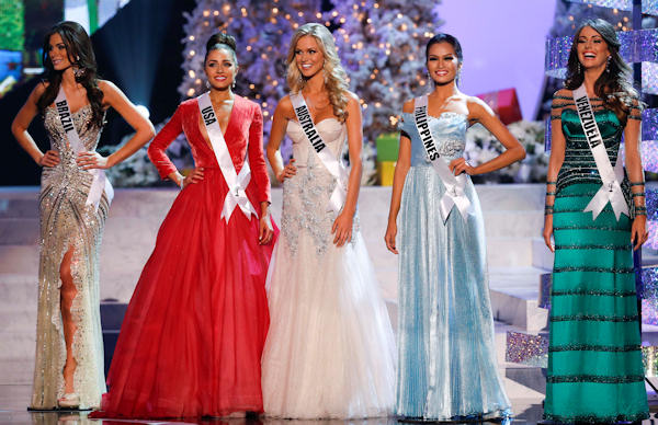 "<div class=""meta image-caption""><div class=""origin-logo origin-image ""><span></span></div><span class=""caption-text"">The remaining five contestants, from left, Miss Brazil, Gabriela Markus; Miss USA, Olivia Culpo; Miss Australia, Renae Ayris; Miss Philippines, Janine Tugonon; and Miss Venezuela, Irene Sofia Esser Quintero; stand together during the Miss Universe competition, Wednesday, Dec. 19, 2012, in Las Vegas. (AP Photo/Julie Jacobson)     </span></div>"