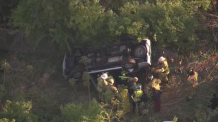 Car plunges into embankment off Pa. Turnpike