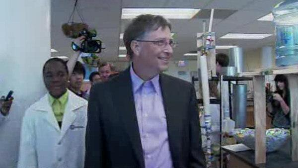 Bill Gates visits Philadelphia school