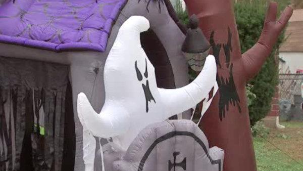Delco town establishes Halloween curfew