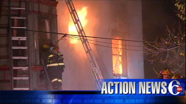 Man jumps from fire to death in Philadelphia