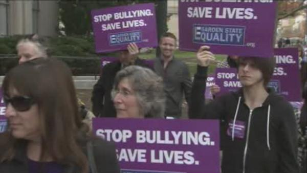NJ legislative panels OK tougher anti-bullying law