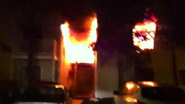 Flames race through Voorhees, N.J. apartments