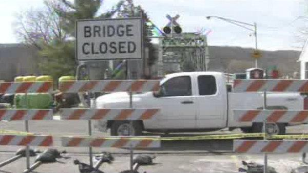 Bridge closure killing business in NJ town