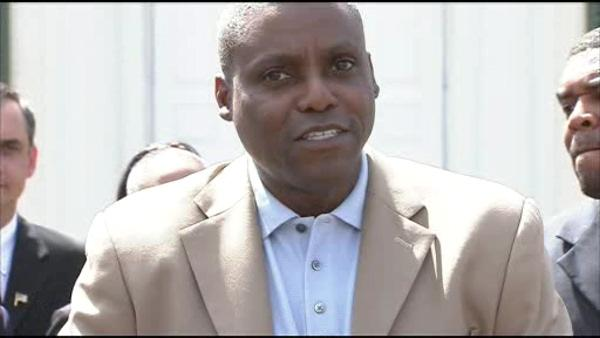 NJ top court won't put Carl Lewis on ballot