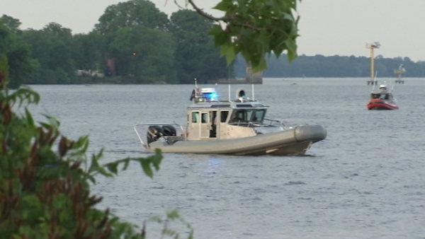 Search for missing teen in Delaware River