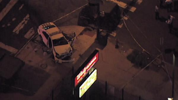 Philadelphia police officers injured in crash