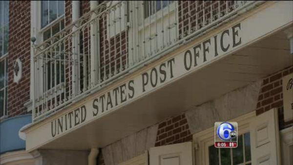 Post office ponders closing 1 in 10 retail outlets