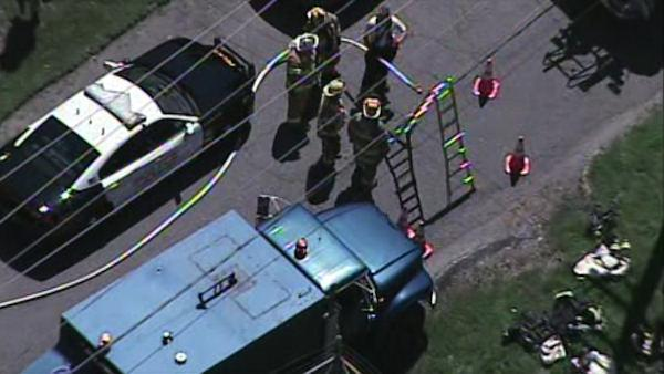 Workers fall in well in Delaware County