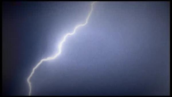 Lightning strikes Hopewell man while driving