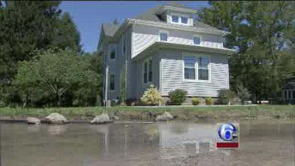 Residents in flooded NJ communities allowed home