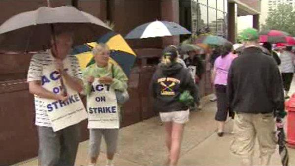 Archdioces Teachers Hit the Picket Lines