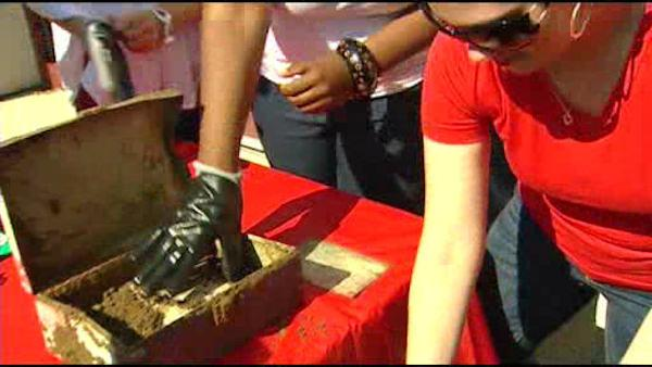 School unearths 9/11 time capsule