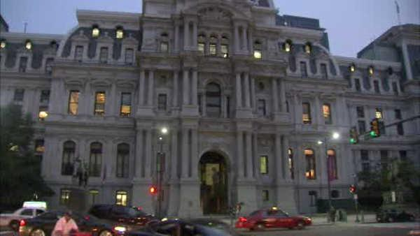 A crack found in Phila. City Hall tower