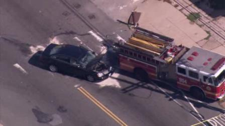 Man hospitalized after N. Phila. fire engine accident