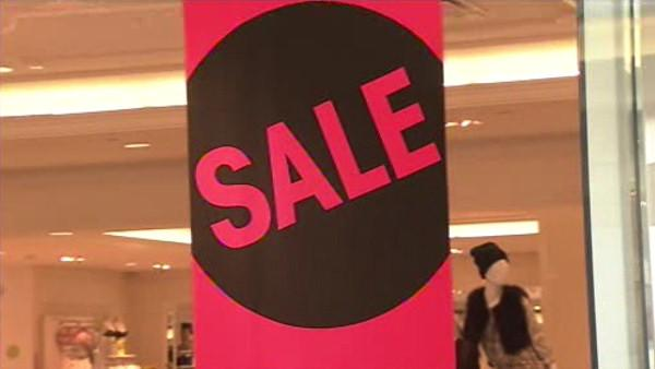 Shoppers rush after Christmas sales