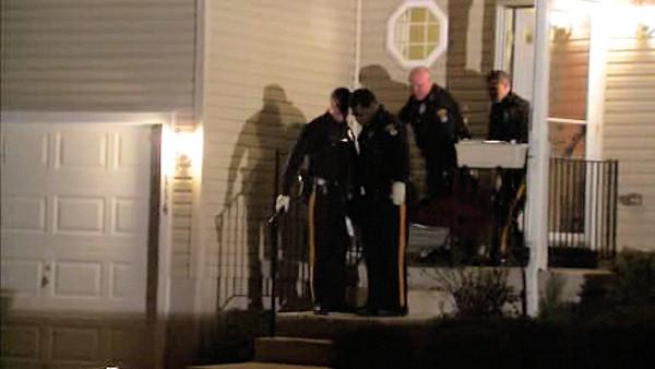 Police: NJ man shoots girlfriend, kills self