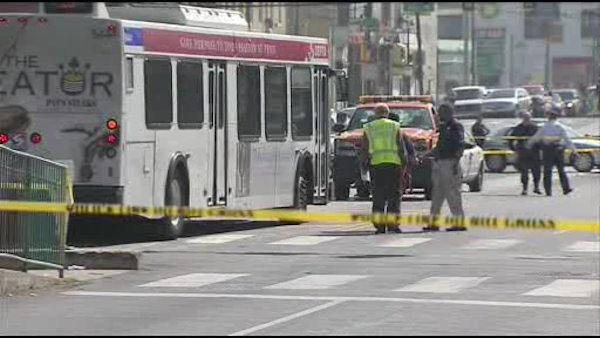 SEPTA bus accident in Philadelphia leaves 1 dead - 6at4