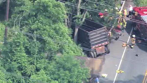 Dump truck crash, Garnet Valley, Pa.