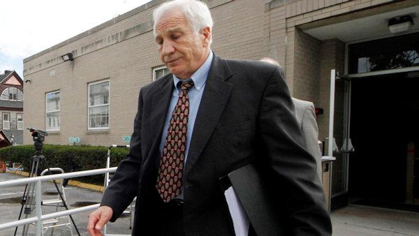 Eve of Sandusky trial