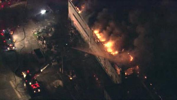 6-alarm plant fire in Camden under investigation