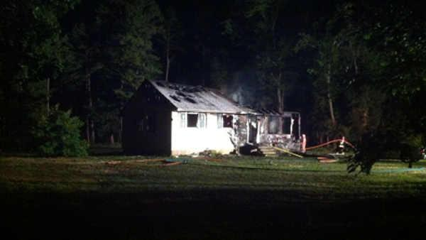 Candle blamed for Mays Landing fire
