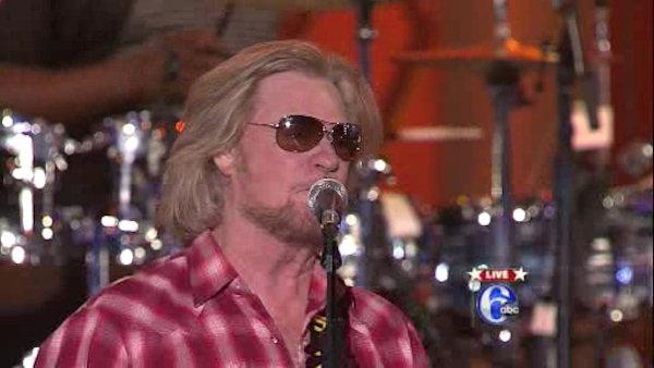 Welcome America 2012: Daryl Hall performs